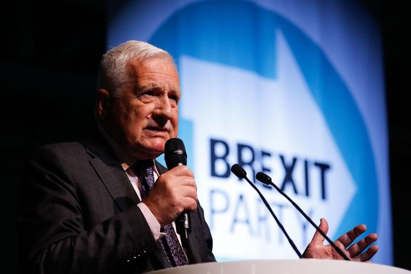 Vaclav Klaus krytykuje obostrzenia związane z walką z COVID-19 i maseczki nie nosi. Uważa, że robią to zwolennicy UE i przyjęcia migrantów, zdjęcie ilustracyjne /Tolga AKMEN / AFP /AFP