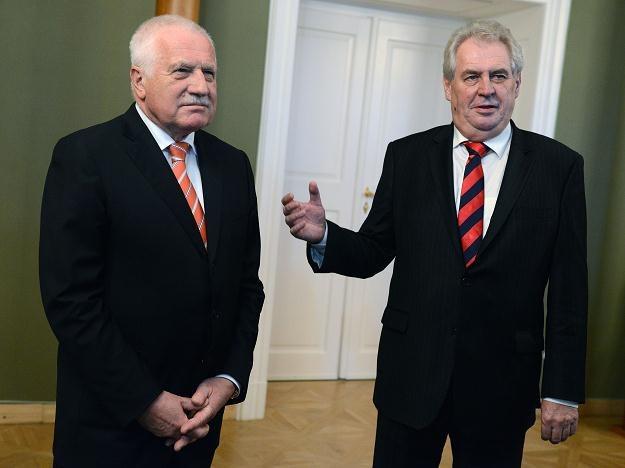 Vaclav Klaus (L) i prezydent elekt Milos Zeman /AFP