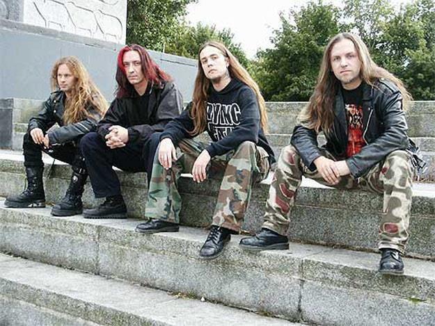 Vader w 2003 roku (od lewej): Novy, Docent, Mauser i Peter - fot. Mariusz Kmiołek /Oficjalna strona zespołu