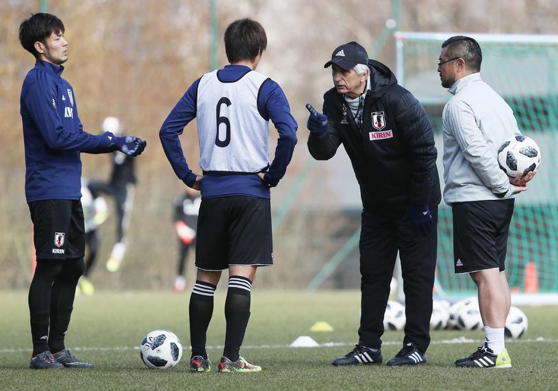 Vahid Halilhodzic pożegnał się z kadrą Japonii. Piłkarze nie chcieli z nim pracować /AFP