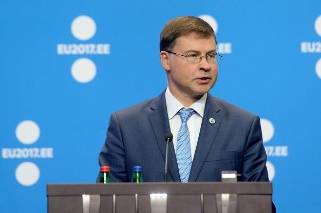 Valdis Dombrovskis, wiceszef KE /AFP