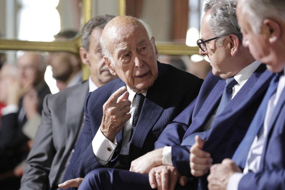 Valery Giscard d'Estaing rozmawia z przewodniczącym Zgromadzenia Narodowego Richardem Ferrandem (2018) /THOMAS SAMSON /PAP/EPA