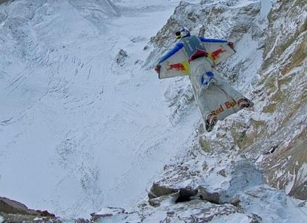 Valery Rozov leci w przepaść, Góra Albrus, 10 września 2008 /AFP