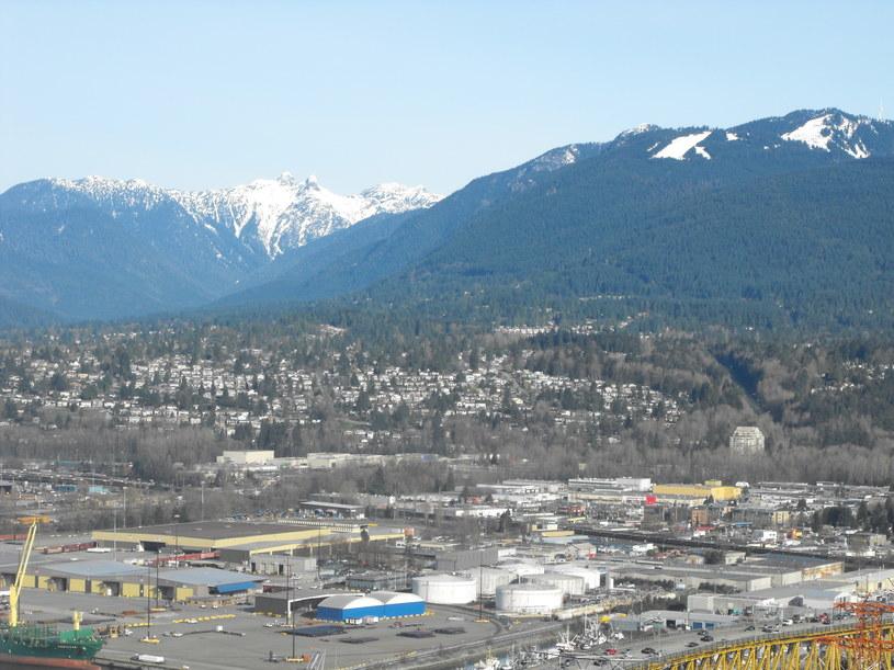 Vancouver w prowincji Kolumbia Brytyjska. Góry sąsiadują z Pacyfikiem - idealne miejsce do życia /Krzysztof Mrówka /INTERIA.PL