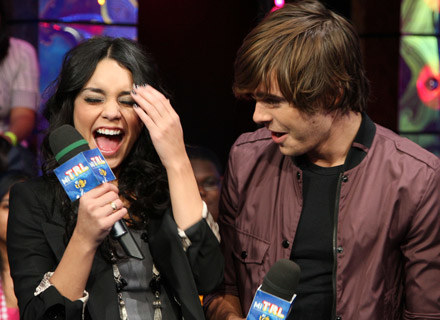 "Vanessa Hudgens i Zac Efron grają główne role w ""High School Musical 3"" - fot. Bryan Bedder /Getty Images/Flash Press Media"