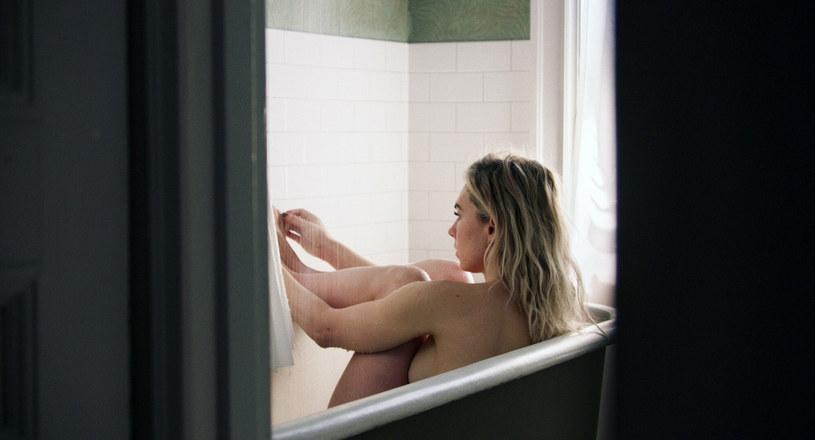 """Vanessa Kirby w filmie """"Cząstki kobiety"""" /Everett Collection/East News /East News"""