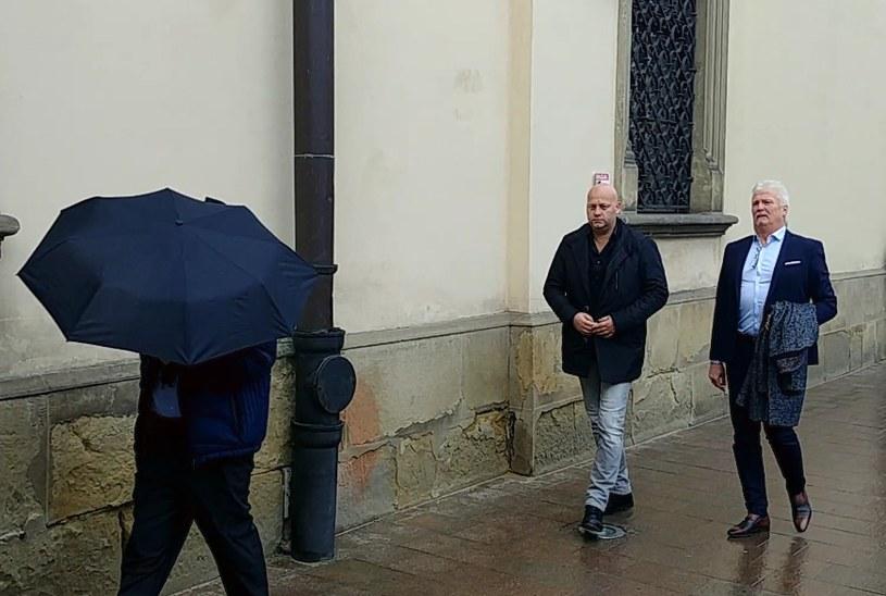 Vanna Ly (pod parasolem), Adam Pietrowski i Mats Hartling podczas niedawnej wizyty w Krakowie /INTERIA.PL