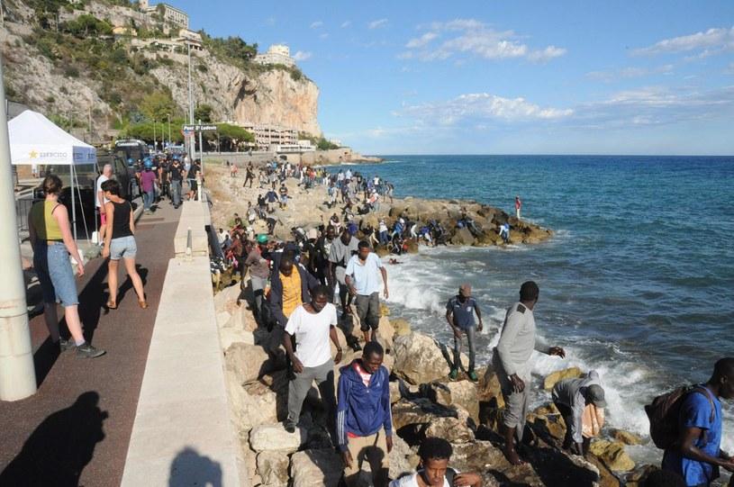 Ventimiglia: Imigranci próbują przedostać się do Francji /FABRIZIO TENERELLI /PAP/EPA