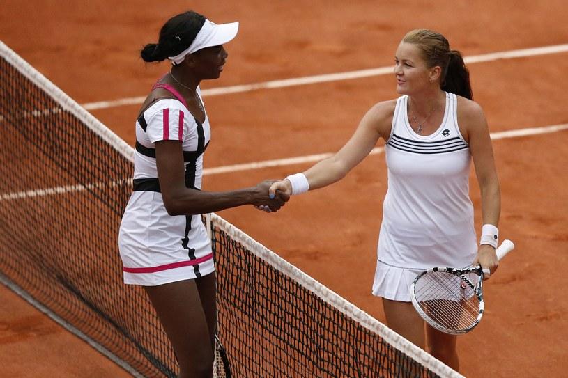 Venus Williams gratuluje Agnieszce Radwańskiej /. /AFP