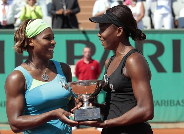 Venus Williams (z prawej) i Serena Williams /AFP