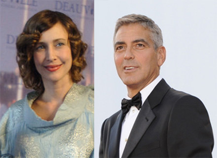 "Vera Farmiga zagra u boku George'a Clooneya w filmie ""Up in the Air"" /AFP"