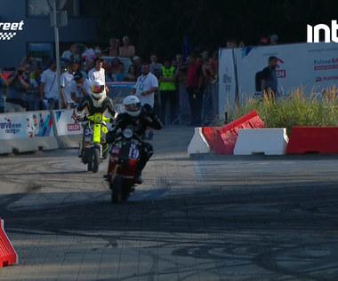 VERVA STREET RACING. Prezentacja pit bike'ów. Dzieci pokazują swoje umiejętności na torze. Wideo