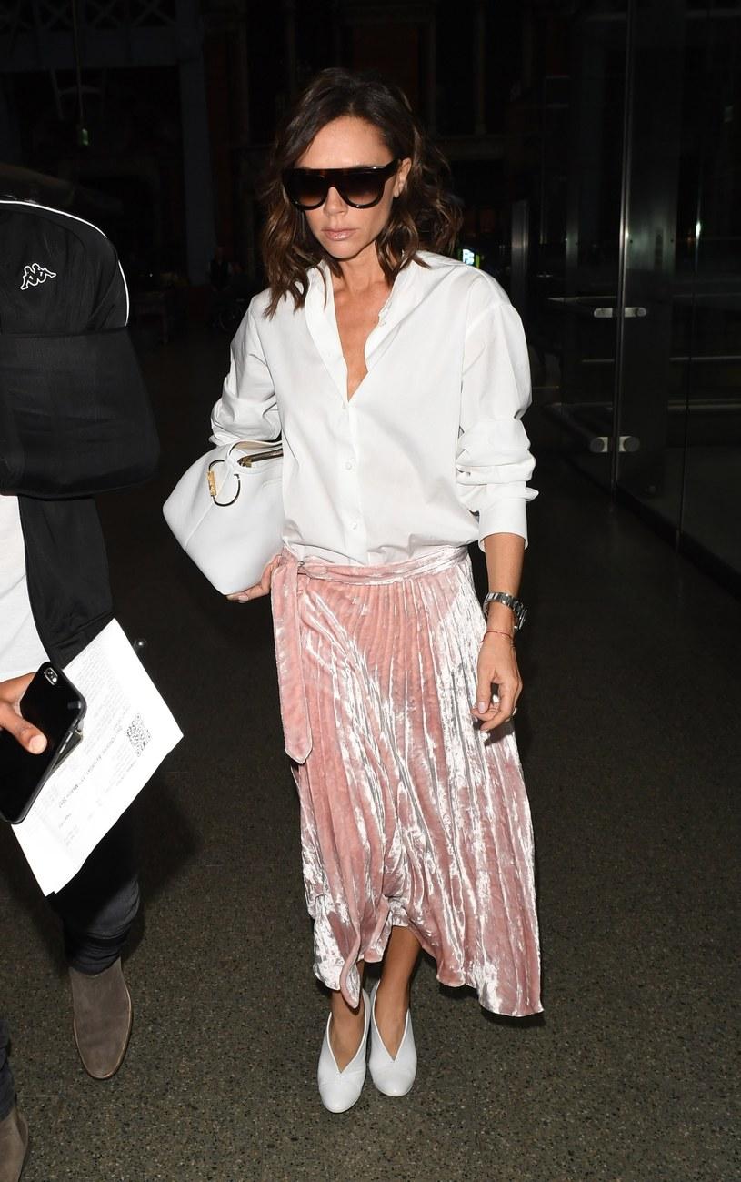 Victoria Beckham jest znana ze swojej powściągliwości /Max Tollworthy / Splash News /East News