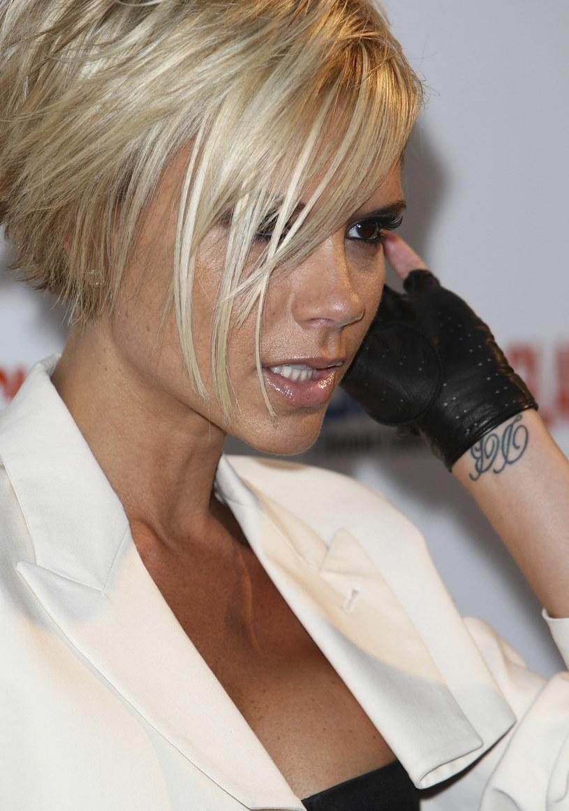 Victoria Beckham Już Usunęła Sztuczne Piersi Teraz Pora Na Coś