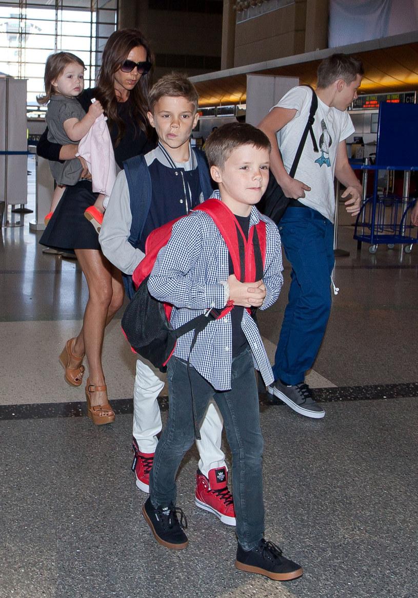 Victoria z dziećmi /Bauer Griffin /East News