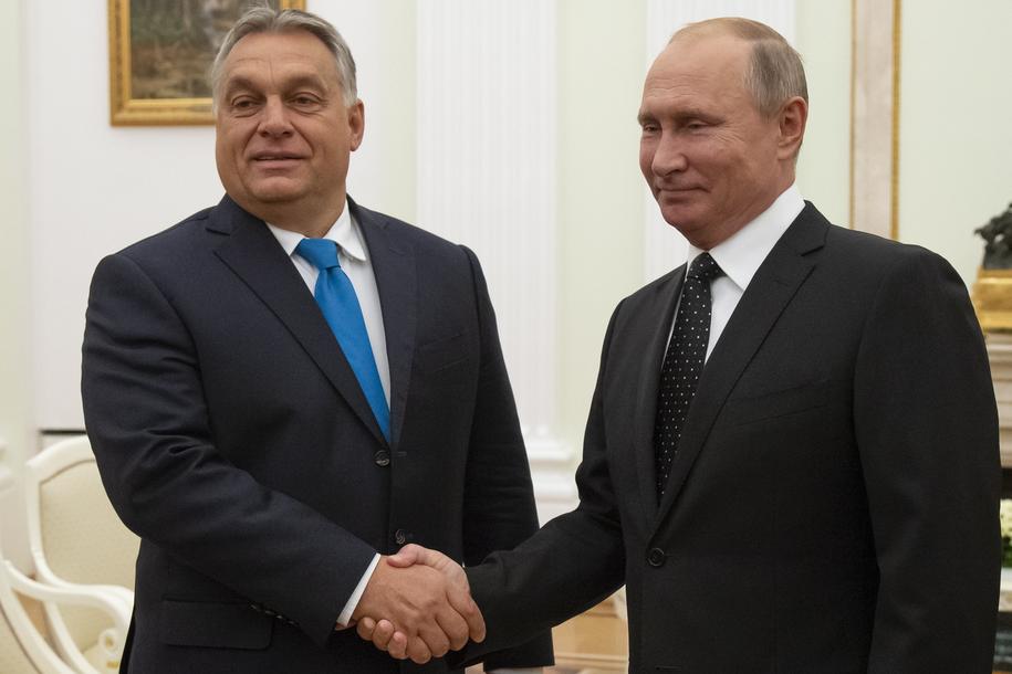 Viktor Orban i Władimir Putin /ALEXANDER ZEMLIANICHENKO /POOL /PAP/EPA