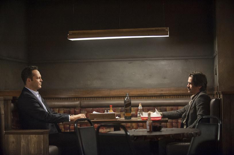 "Vince Vaughn i Colin Farrell na planie drugiego sezonu ""Detektywa"" /HBO"