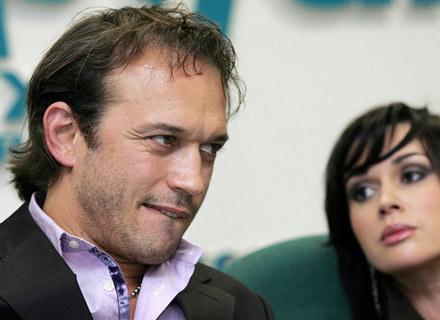Vincent Perez zagra lekarza, który prowadzi nielegalną działalność. /AFP