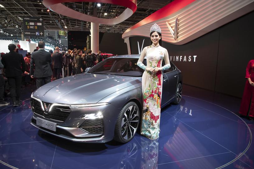 VinFast LUX SA2.0 Sedan /