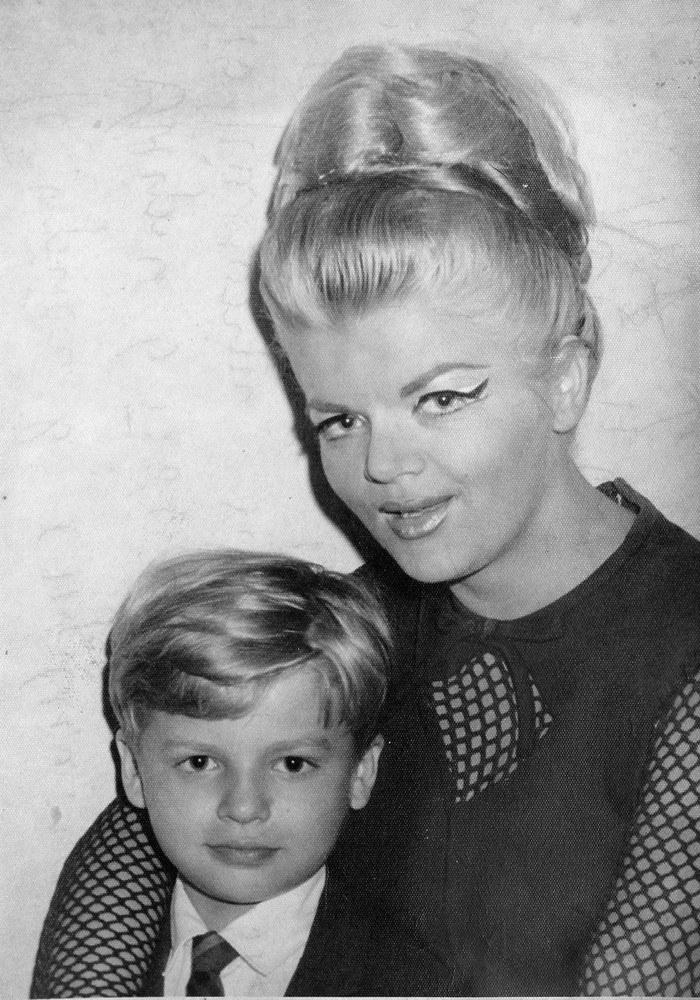 Violetta Villas ze swoim synem Krzysztofem /Wojda /Reporter