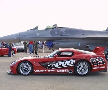 Viper kontra F16!