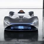 Vision EQ Silver Arrow – przyszłość okiem Mercedesa