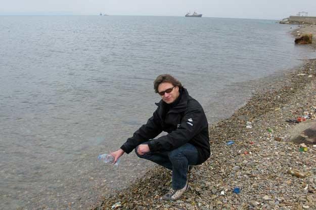 Vitoldas wylał w odmęty Pacyfiku wodę z butelki, którą napełnił na wybrzeżu Atlantyku /