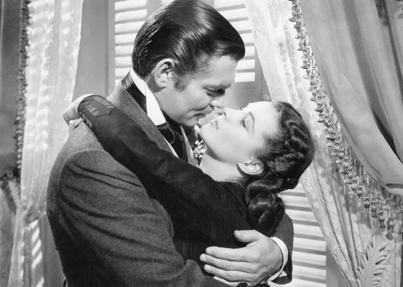 "Vivien Leigh i Clark Gable w filmie Victora Fleminga ""Przeminęło z wiatrem"" (1939) /Mondadori Portfolio /Getty Images"