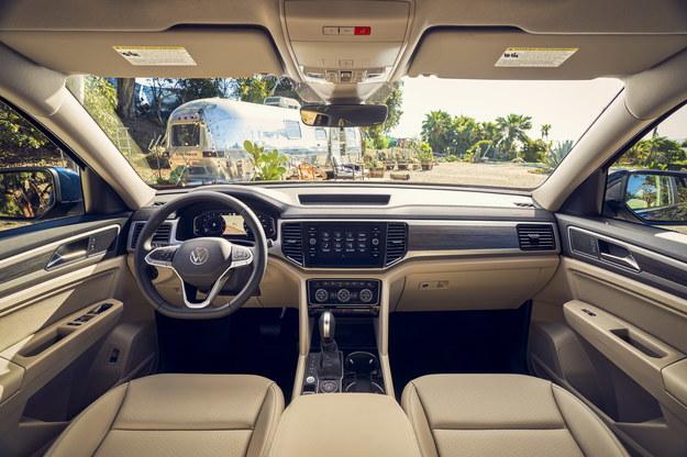 Volkswagen Atlas /