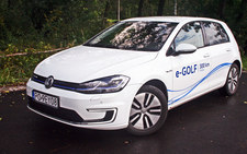 0007ML4WAS5B5TP3-C307 Volkswagen e-Golf - przyszłość w klasycznym wydaniu