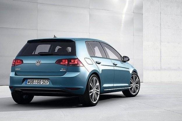Volkswagen Golf /