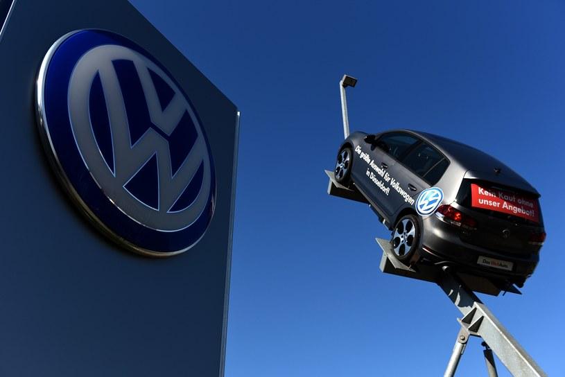 Volkswagen potrzebował dobrych informacji jak kania dżdżu... /AFP