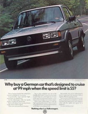 Volkswagen wprowadził Jettę na rynek USA jako rocznik 1984. Model otrzymał 1,8-litrowy silnik benzynowy o mocy 90 KM. /Volkswagen
