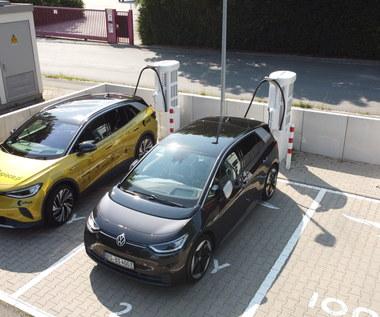 Volkswagenem ID.4 do Hiszpanii, czyli poszukiwania ładowarek