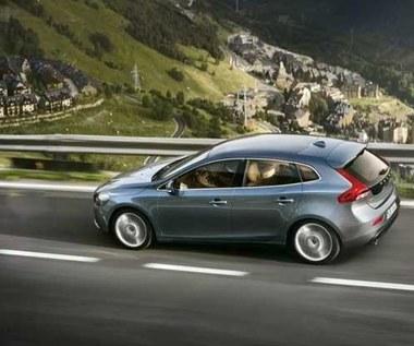 Volvo prezentuje drugą generację V40. Są zdjęcia!