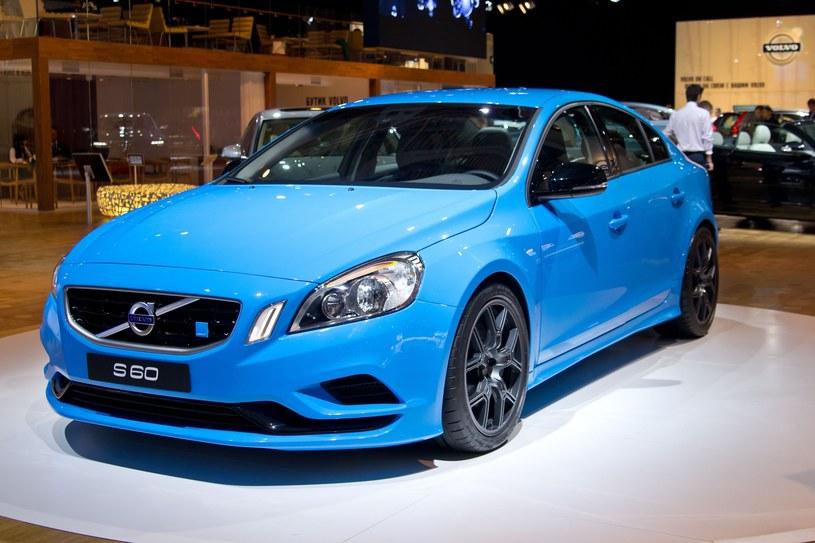 Volvo S60 - samochód nie tylko dla bogatych emerytów /123RF/PICSEL