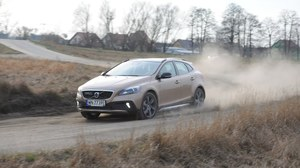 Volvo V40 Cross Country D4 Summum - test