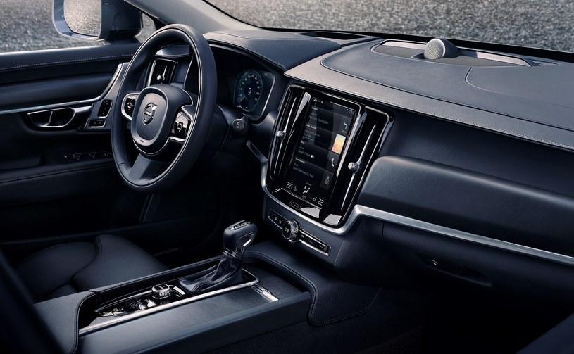 Volvo V90 Cross Country /