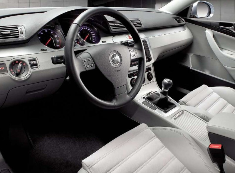 VW Passat /