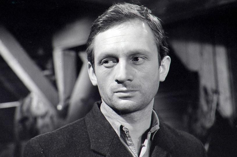 """W 1962 zaczął pracę w nowohuckim Teatrze Ludowym i już wkrótce powierzano mu główne role. W jego kawalerce, zwanej """"pyrkoszówką"""", kwitło życie towarzyskie. /East News"""