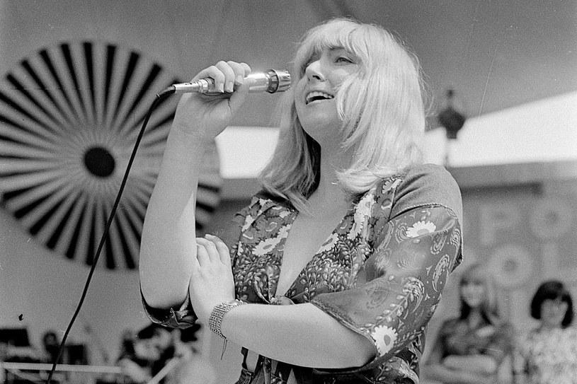 W 1976 roku Rodowicz uczestniczyła w XIV Krajowym Festiwalu Piosenki Polskiej w Opolu. Publiczność do tej pory uwielbia jej występy /Kulakowski/REPORTER /East News
