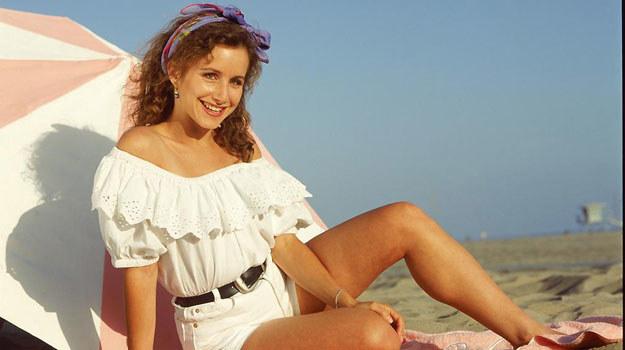 W 1990 r. 29-letnia Andrea grała uczennicę liceum. Była starsza od Luke'a Perry'ego (miał wtedy 25 lat) i Iana Zieringa (miał 26 lat), którzy grali jej szkolnych kolegów /materiały prasowe
