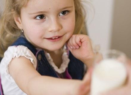 W 2. i 3. roku życia brzdąc powinien dostawać tzw. mieszankę dla juniora