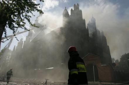 W 2006 roku kościoła św. Katarzyny o mały włos nie strawił pożar / fot. Ł. Głowala /Agencja SE/East News