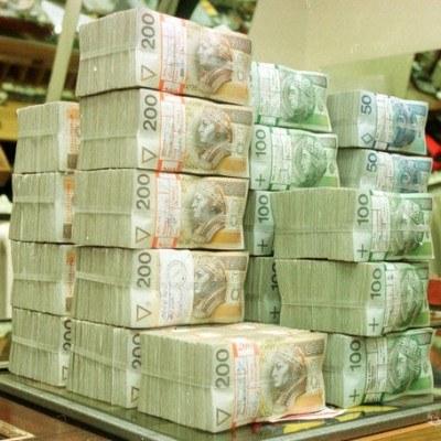 W 2011 r. na obsługę długu wydamy cały dochód z podatku PIT, fot. Piotr Liszkiewicz /Agencja SE/East News