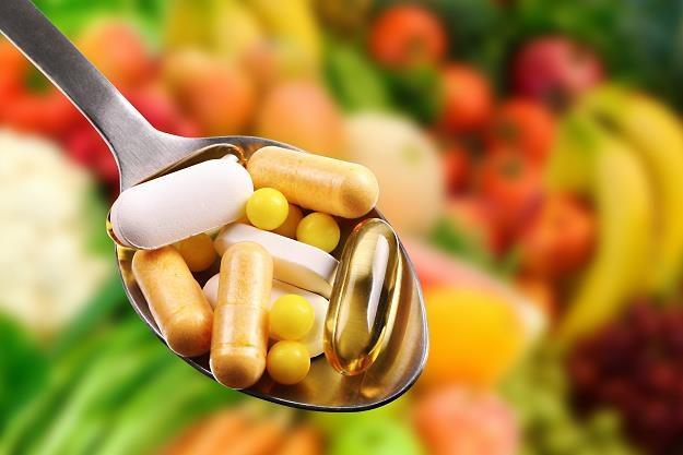 W 2017 r. producenci wprowadzili do sprzedaży ponad 15 tys. nowych suplementów diety /©123RF/PICSEL