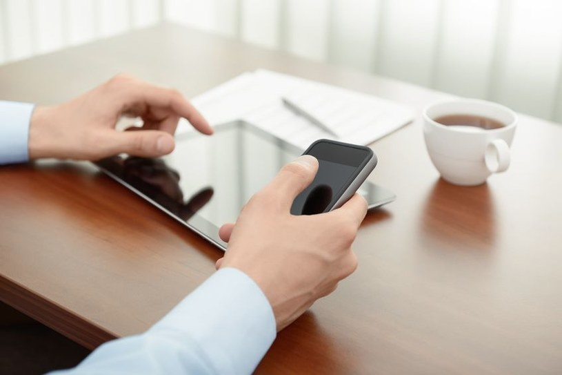 W 2017 roku za połowę ruchu w światowej sieci będą odpowiadały urządzenia mobilne /123RF/PICSEL