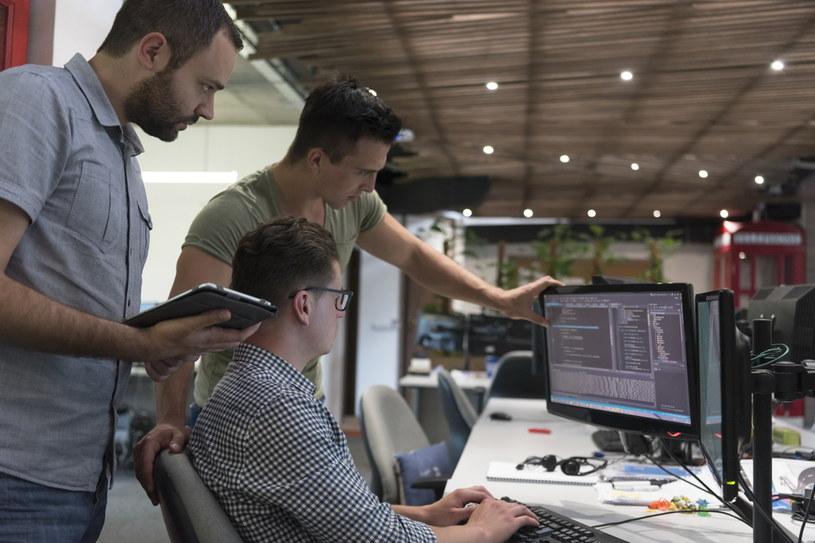 W 2019 roku najwyższe zarobki otrzymywali programiści Java /123RF/PICSEL
