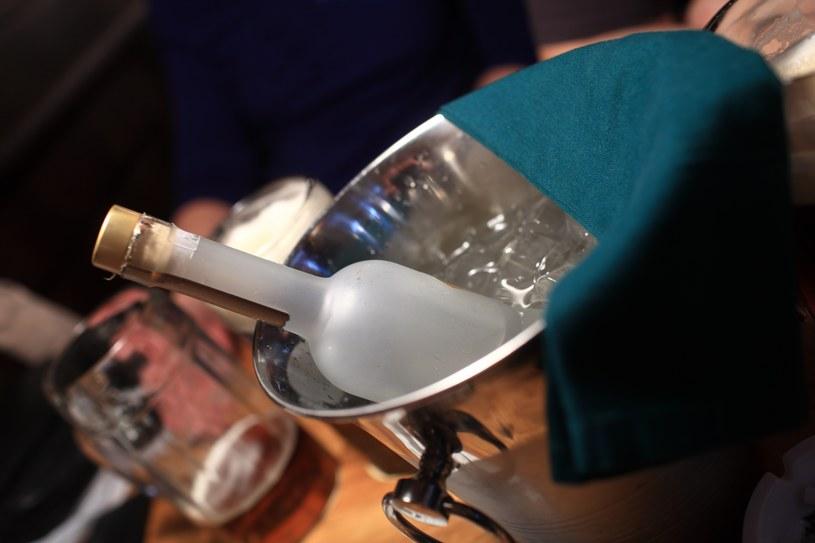 W 2019 roku statystyczny Polak wypił aż 9,78 litra czystego alkoholu /123RF/PICSEL