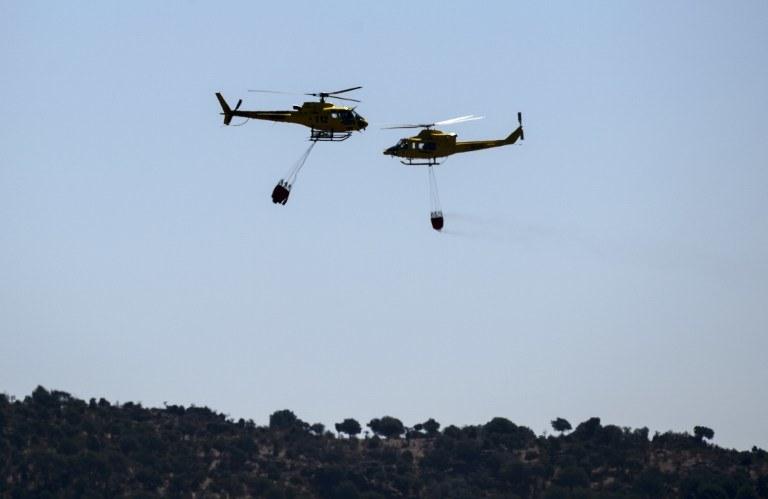 W akcji gaszenia uczestniczy wojsko /AFP